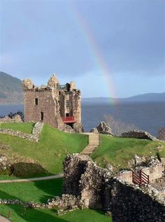 THE RUINS OF URQUHART CASTLE ON LOCH NESS IN SCOTLAND