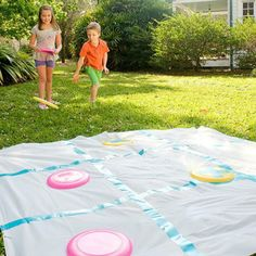 Disk tic-tac-toe Fun Outdoor Games for Kids Birthday Parties Fun Games, Fun Activities, Games To Play, Awesome Games, Field Day Activities, Physical Activities, Field Day Games, Outdoor Games For Kids, Outdoor Fun