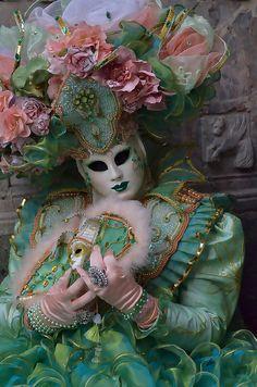 Venice Carnival 2012 by f_a_z_e_r ( Nunzio Fracalanza ), via Flickr