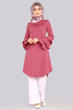 TUNİK Kolları Fırfırlı Tunik PL821 Gül Kurusu Abaya Fashion, Muslim Fashion, Fashion Dresses, Stylish Dress Designs, Stylish Dresses, Mode Abaya, Iranian Women Fashion, Hijab Fashionista, Sleeves Designs For Dresses