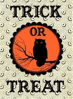 Free Halloween Owl Trick Or Treat Treat Bag Stickers. We are so excited to share our collection of Free Halloween Printables. Check out these FREE graphics to print. Boo Halloween, Halloween Vintage, Moldes Halloween, Halloween Clipart, Theme Halloween, Halloween Cards, Holidays Halloween, Happy Halloween, Halloween Decorations