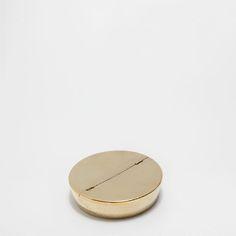 GEHÄMMERTER ASCHENBECHER IN GOLD - Aschenbecher und Räucherstäbchenhalter - Dekoration | Zara Home Deutschland