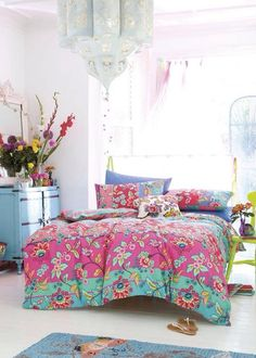 Our Bohemian bedroom ideas contain 10 awesome boho bedroom ideas that result in comfortable and beautiful bedrooms for all ages, from teenagers to adults. Bohemian Bedrooms, Boho Chic Bedroom, Dream Bedroom, Home Bedroom, Girls Bedroom, Bedroom Decor, Boho Room, Bohemian Bedding, Gypsy Bedroom