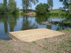 Wow check out this brilliant %%KEYWORD%% - what an innovative design and style Natural Swimming Ponds, Natural Pond, Backyard Water Feature, Ponds Backyard, Pond Design, Deck Design, Home Landscaping, Landscaping With Rocks, Floating Boat Docks