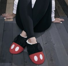 Mickey Mouse and Minnie Mouse are complete style icons, that much is extremely obvious at this point. But the new collection from BoxLunch takes Mickey Mickey Mouse House, Disney Mickey Mouse, Minnie Mouse, Disney Outfits, Cute Outfits, Disney Clothes, Disney Fashion, Emo Outfits, Mickey Mouse Slippers