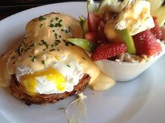 If we know one thing, it's that Seattle mornings can be pretty cold! Even if you aren't a morning person, you probably should let someone else cook you an awesome breakfast. That is why we have sampled the best places in Seattle and created this top 8 list just for you.