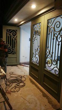 Puerta en hierro ornamental