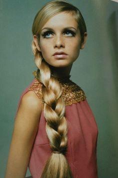 Retro aka Mid-Century Modern (40s, 50s, 60s, 70s) Twiggy- model, actress, singer #60s #retro #vintage