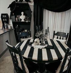 Dark Home Decor, Goth Home Decor, Halloween Home Decor, Horror Decor, Gothic House, Home Decor Inspiration, Home Interior Design, Interior Ideas, Room Decor