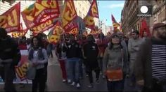 Manifestación masiva en Roma contra las reformas laborales de Matteo Renzi