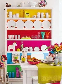 Rainbow shelf - I think I can do something like this in her room.