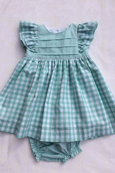 New baby clothes patterns girl daughters Ideas Baby Girl Dress Patterns, Baby Clothes Patterns, Little Girl Dresses, Girls Dresses, Dress Girl, Summer Dresses, Cute Outfits For Kids, Toddler Outfits, Couture Bb