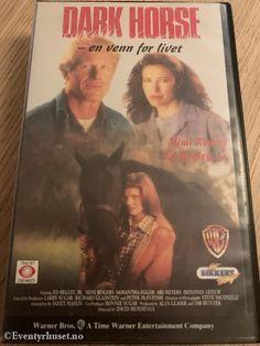 Dark Horse - En venn for livet 1992 – Google Søk Horse Movies, Time Warner, Dark Horse, Horses, Entertaining, Google, Books, Movie Posters, Libros