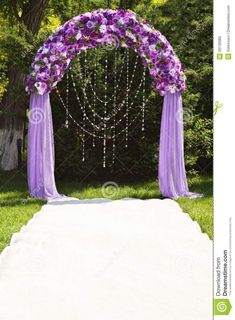 Are you thinking about having your wedding by the beach? Are you wondering the best beach wedding flowers to celebrate your union? Here are some of the best ideas for beach wedding flowers you should consider. Royal Purple Wedding, Purple Wedding Flowers, Wedding Colors, Floral Wedding, Trendy Wedding, Purple Wedding Decorations, Purple Roses, Wedding Ideas Purple, Elegant Wedding
