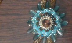 Uit het boek: beads in motion van Marcia deCoster