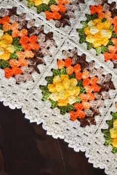 Transcendent Crochet a Solid Granny Square Ideas. Inconceivable Crochet a Solid Granny Square Ideas. Crochet Blocks, Granny Square Crochet Pattern, Crochet Stitches Patterns, Crochet Squares, Crochet Motif, Crochet Designs, Crochet Flowers, Sunburst Granny Square, Granny Square Blanket