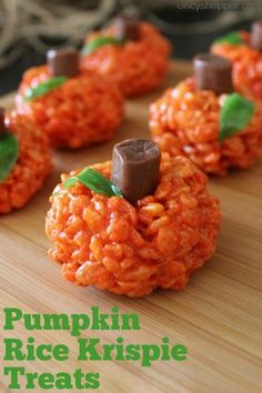 Pumpkin Rice Krispie Treats Recipe - I made these this year for Halloween. Easy & turned out nicely. Recetas Halloween, Halloween Goodies, Halloween Desserts, Halloween Food For Party, Halloween Baking, Fall Desserts, Halloween Treats For School, Spooky Halloween, Christmas Desserts