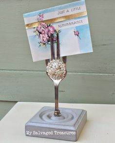 Serving fork picture holder