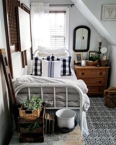 If you are looking for Farmhouse Master Bedroom Decor Ideas, You come to the right place. Below are the Farmhouse Master Bedroom Decor Ideas. Farmhouse Master Bedroom, Master Bedroom Design, Cozy Bedroom, Home Decor Bedroom, Girls Bedroom, Bedroom Ideas, Master Suite, Mirror Bedroom, Budget Bedroom