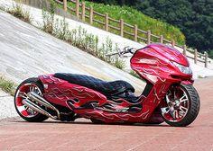 Yamaha Majesty 250 by Scooter Tribe