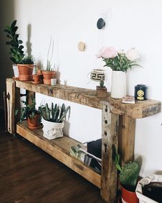 Green mood ever ! Mon tabli met encore plus enhellip Home Office Design, Interior Design Living Room, Natural Home Decor, Diy Home Decor, Rustic Furniture, Diy Furniture, Boho Room, Coffee Table Design, Farmhouse Table