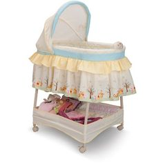 Disney Nutopia Pooh Dream World Gliding Bassinet, Beige