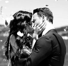 Hande Ercel, Turkish Beauty, Dramas, Couple Photos, Tv, Couples, Turkish People, Couple Shots, Drama