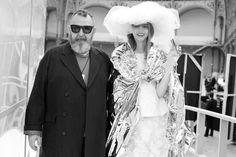 Michel Gaubert et la mariée du défilé Chanel haute couture printemps-été 2015