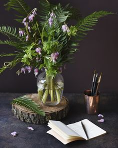 """Ask Ella: How To Style A """"Two Ingredient"""" Bouquet - Garden Collage Magazine Collage, Floral Design, Concept, Table Decorations, History, Garden, Interior, Bouquets, Flowers"""