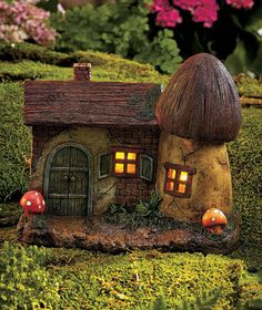 SOLAR FARMHOUSE GNOME HOUSE GARDEN DECOR FAIRY & GNOME LOVERS
