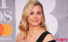 Gemma Atkinson Biography TV actress Photographs GOOD FRIDAY : WISHES, MESSAGES, QUOTES, WHATSAPP AND FACEBOOK STATUS TO SHARE WITH YOUR FRIENDS AND FAMILY PHOTO GALLERY  | LOVEINSHAYARI.COM  #EDUCRATSWEB 2020-04-09 loveinshayari.com https://www.loveinshayari.com/wp-content/uploads/2020/04/PicsArt_04-08-04.38.42-1024x576.jpg