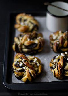 poppy seed cinnamon buns