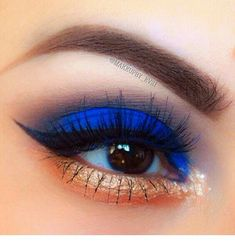 Cute eye make up Blue Eye Makeup, Love Makeup, Skin Makeup, Makeup Inspo, Eyeshadow Makeup, Beauty Makeup, Eyeshadows, Makeup Ideas, Bright Eye Makeup