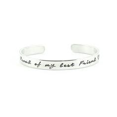 Proud of my best friend. - Trots op jouw beste vriendin / bff? Laat het weten met een bijzondere armband! Ook leuk als setje van twee om samen te dragen als vriendinnen armbanden.