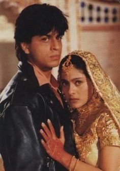 Kajol and Shahrukh Khan in the penultimate scene of Dilwale Dulhania Le Jayenge. Gorgeous Jodi.