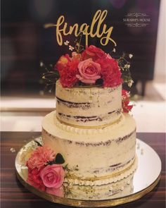 13 Awesome Engagement Cake Designs We Spotted By Indian Bakers! Rustic semi-naked engagement cake with fresh flowers on top for decoration. Engagement Cake Images, Engagement Cake Design, Engagement Cake Toppers, Wedding Cake Images, Black Wedding Cakes, Engagement Cakes, Beautiful Wedding Cakes, Wedding Cake Designs, Wedding Cake Toppers