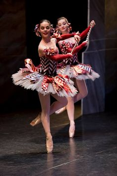Eloise Fryer and Imogen Chapman as Mirlitons from the Australian Ballet's The Nutcracker. Photography: Lynette Wills