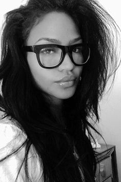 so naturally beautiful ❤️ Beautiful Black Women, Beautiful People, Selfies, Cassie Ventura, Girls With Glasses, Big Glasses, Glasses Style, Cute Beauty, Airport Style