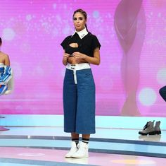 "2,718 aprecieri, 21 comentarii - Bravo, ai stil! (@bravoaistil) pe Instagram: ""Ce DETALIU a observat Iulia Albu la tinuta Alinei? ""Incaltamintea dezvolta un gogosism...!""/ ""De…"" Waist Skirt, High Waisted Skirt, Runway, Skirts, Pants, Instagram, Fashion, Moda, Skirt"