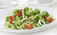 Vegetable pasta salad with vegetable seasoning. Vegetable Pasta Salads, Vegetable Seasoning, Healthy Fatty Foods, Healthy Eating, Epicure Recipes, Cooking Recipes, Honey Chicken Kabobs, Healthy Recepies, Lean Meals