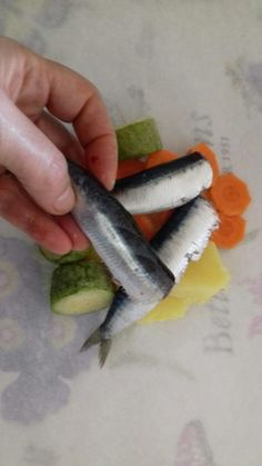 σαρδέλες με λαχανικά σε πουγκάκια - 8 Fish, Meat