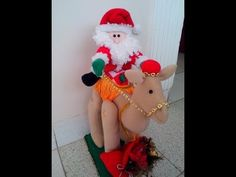 Enseñar diversos temas Indoor Christmas Decorations, Holiday Decor, Christmas Chair Covers, Christmas Stockings, Christmas Ornaments, Reno, Handmade, Home Decor, Ideas Para