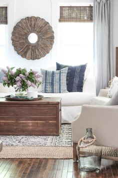 Cro-Asian Fall Living Room, Coastal Living Rooms, Living Room Decor, Dining Room, Dining Sets, Living Spaces, Dining Table, Rooms For Rent, Family Room Design