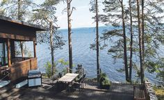 Lake cabin by the lake Secret Hideaway, Lakeside Living, Lake Cabins, Lake Cottage, Lake Life, Home Fashion, Exterior Design, Perfect Place, Terrace