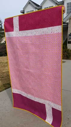 Justice Quilts & Crafts: My Pink Patchwork Whale Quilt Whole Cloth Quilts, Lap Quilts, Cotton Quilts, Backing A Quilt, Book Quilt, Quilt Top, Log Cabin Quilt Pattern, King Size Quilt, Quilting Designs