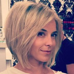 Easy short bob haircut for thick hair