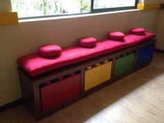 Banca de Lego con cajas de colores de madera!! Nice