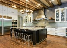 Check out http://debraowens.com!  Debra Owens Interiors, Inc. located in Dallas, Texas. Voted one of Dallas' Best Designers in D Magazine 2009, 2010, 2011.