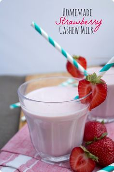 Healthy snack idea: homemade strawberry cashew milk! Can also be made using store bought milk. Enjoy!  #ThinkStrawberries #ad @castrawberries