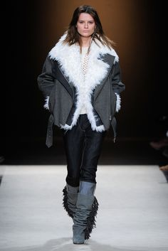 Isabel Marant Fall 2011 Ready-to-Wear Collection Slideshow on Style.com